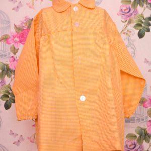 Babi escolar 006 de cuadros amarillo con nombre bordado