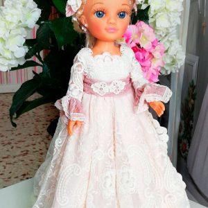 Muñeca con vestido de comunión 102 de Marita Rial 2020
