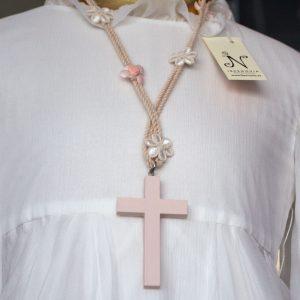Cruz de comunión 033 rosa con cordón adornado con flores