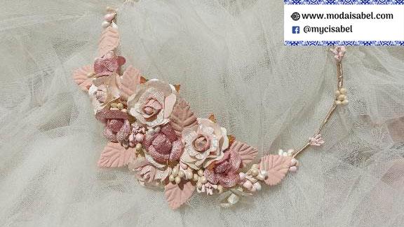 La Vie en Rose: coronas para vestidos de comunión colección 2022