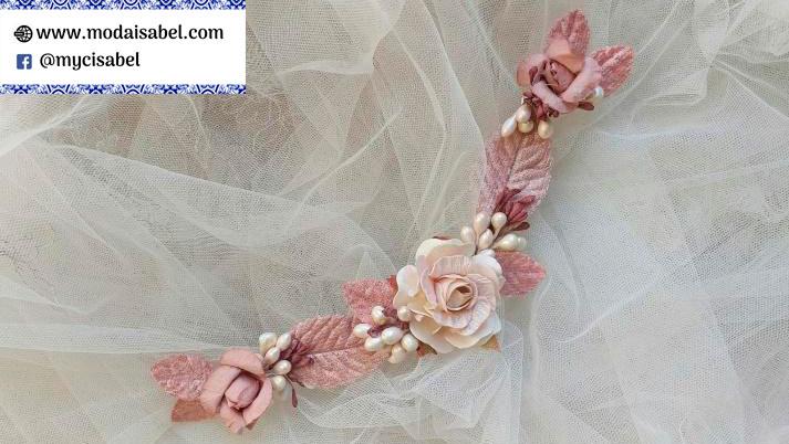 La Vie en Rose: tocados para vestidos de comunión colección 2022
